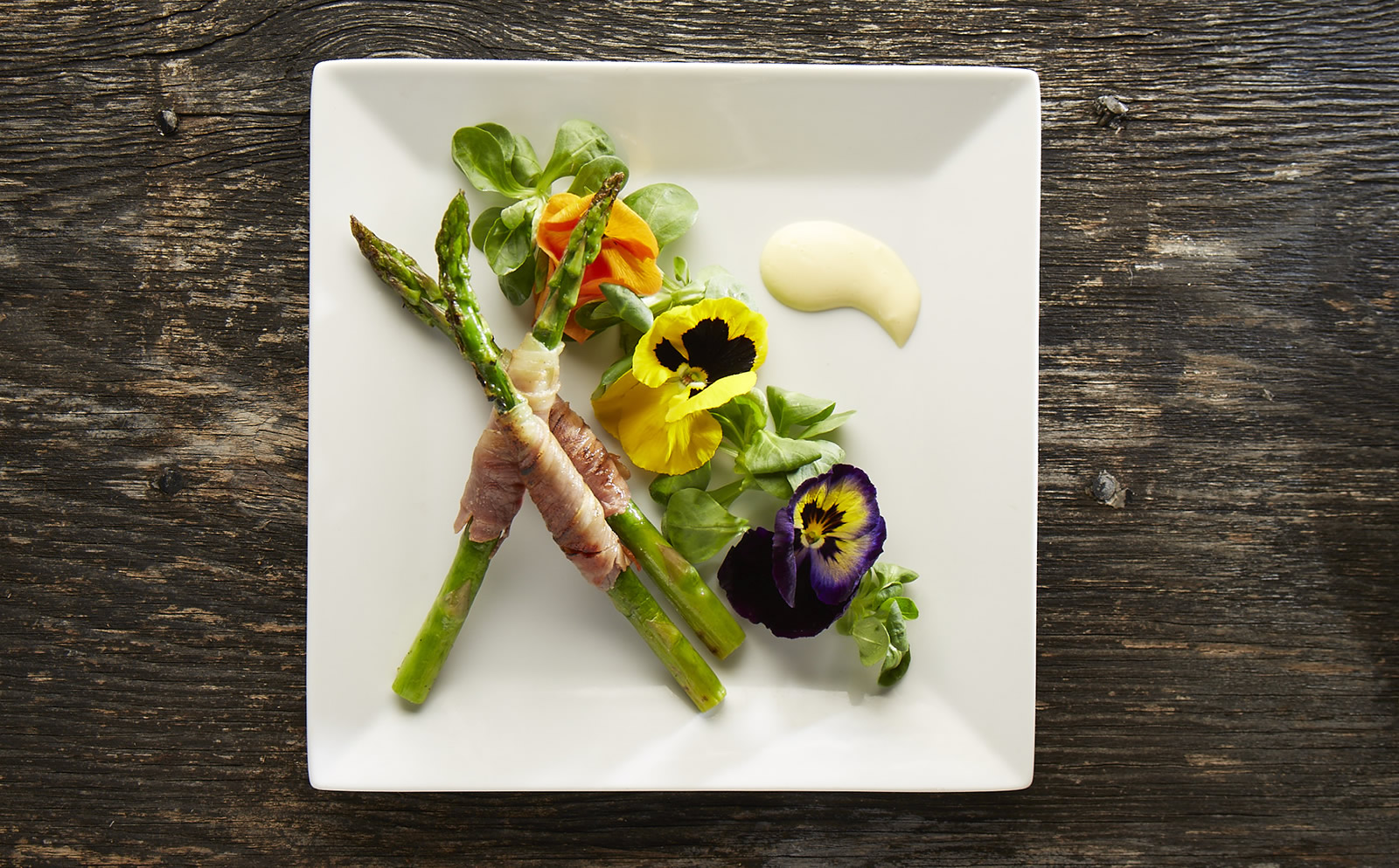 char grilled prosciutto wrapped asparagus with summer salad